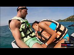 Amateur Thai girlfriend gives him a blowjob in ...