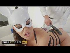 (Alina Lopez, Stirling Cooper) - Bad Bunny - Br...