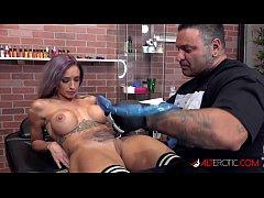 Vanessa Skye deepthroats a cock after getting t...