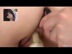 Arisa Nakano reveals her ass and pussy in a gre...