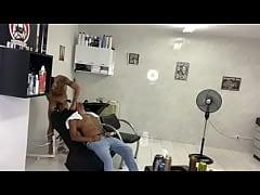 Brotheragem barbeiro e cliente