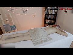 Ela Gozou na Massagem!! - Squirt - Brasileira Novinha Cherry Adams gozando na massagem e o plug anal enfiado no cu, depois engoliu toda a minha porra no boquete