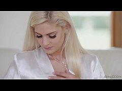 Amazing blonde escort pleases her client for va...
