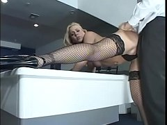 Blonde babe Julie Night with sexy fishnet is re...