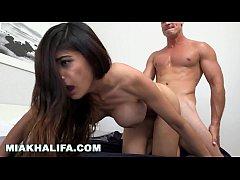 MIA KHALIFA - Sexy Babe Fucked Doggy Style On R...