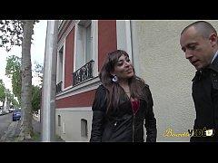 Bindiya rencontrée dans la rue accepte de se fa...