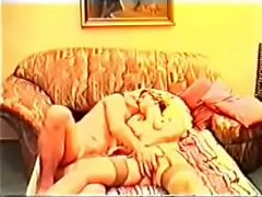 thumb couple baise su  r son lit
