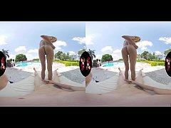 VRLatina.com - Veronica Leal 5K Poolside Fuck VR