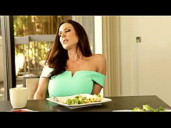 Mommy and Daughter Almost Caught - Ariana Marie...