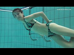 Nina Markova mega sexy teen underwater