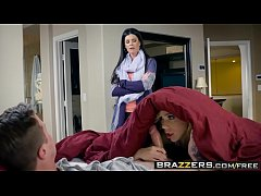 Brazzers - Moms in control -  Tight Fitting Hou...