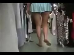 Amateur MILF caught with no panties
