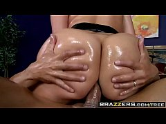 Brazzers - Big Wet Butts - (Kelly Divine)- Crea...