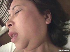 Clip sex Asian granny masturbates