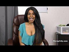 Slutty Tamil secretary shows off her skills to ...