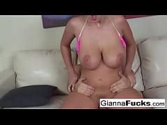 Bikini babe Gianna Michaels wants his load on h...