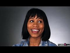 Ebony MILF babe Jenna Foxx shows us how women o...