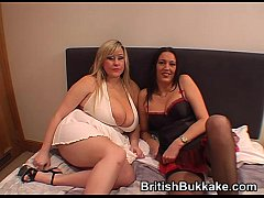 Amateur bukkake party with mature woman