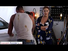 Naughty America - Ryan Keely fucks for a discou...
