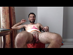 HAIRY EUROPEAN SHOOT THE LOAD