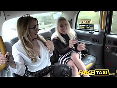 Rot Kopf Lesbisch Fake Taxi