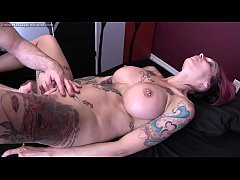 Anna Bell Peaks Gets Erotic Massage and Happy E...