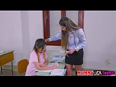 Teacher Cathy bangs Aninas sweet pussy by her d...