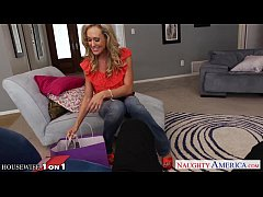 Hottie housewife Brandi Love slurp cock in POV ...