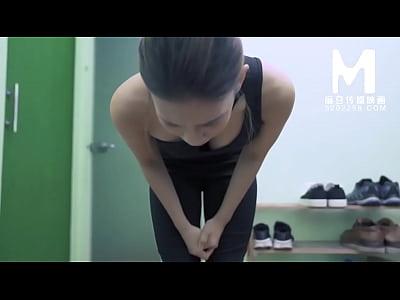 【国产】麻豆传媒作品/MD0104-舞蹈老师欠债穴尝 00...