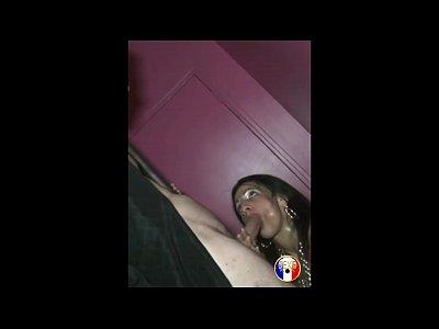 Lili, beurette libertine se fait enculer en club