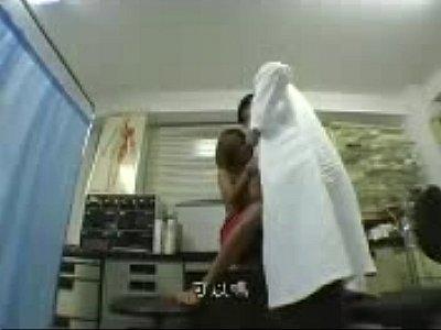 壞醫生偷拍外流~向精神病患求愛的醫生(中文字幕)