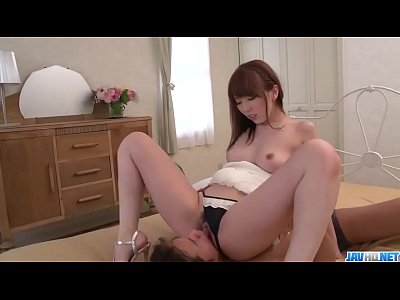 Yui Hatano improves her skills by playing with ...