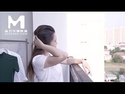 【国产】麻豆传媒作品/MD-0041偷聞鄰居內褲被發現0...