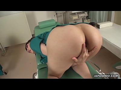 Japanese nurse, Rei Mizuna is masturbating, unc...