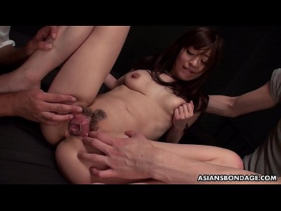 Naked Japanese brunette, Maria Ono is having a ...