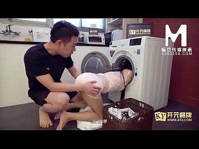 【国产】麻豆传媒作品/MDX0058-插入被洗衣机卡住的...