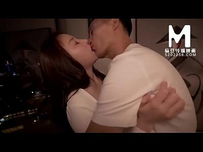 【国产】麻豆传媒作品/MD-0022-与同事的秘密性爱 0...