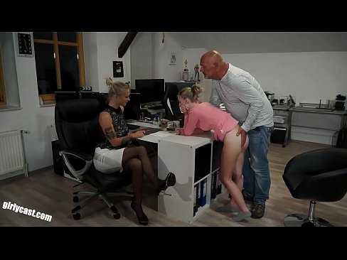 Lia & Kathi - The fucking job interview