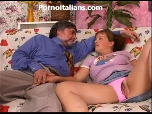 La vergine scopata dallo zio porco - Incesti italiani The virgin fucked uncle