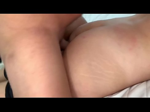 Drunk father(父) fucks his daughter(娘) without condom and cums on her pussy