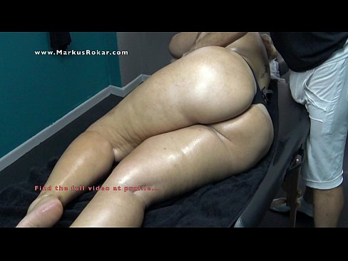 Sexy Mature Wife with Big Booty Stuck on Massage Bed & her Masseur Fingering her Pussy as her Husband was waiting outside !