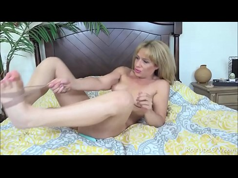 Casually found pussy plays her lix dildo with with stevie idea