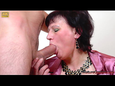 Kamil Klein gapes and fucks the wet pussy of hot mature Danja Vieille