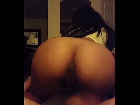 Perfect Booty Latina Riding