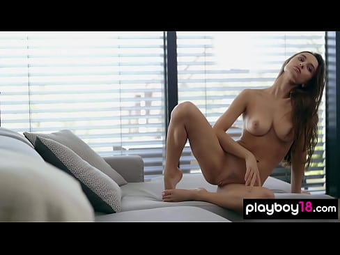 All natural Gloria Sol exposing her amazing shapes