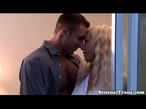 Glamorous tranny buttfucked by her lover