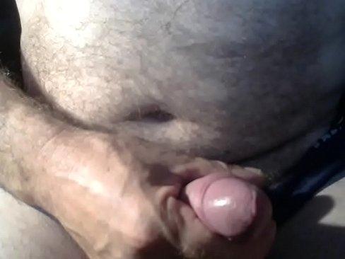 Mă masturbez