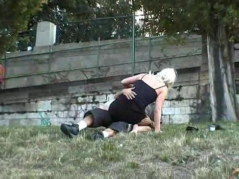 amateur women masturbating tits pic