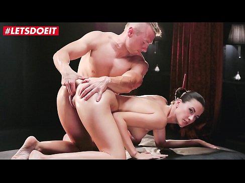 LETSDOEIT - Hot Erotic Massage With A Passionate Sex Master - Lauren Crist