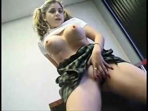 Sexy college girl bigtits